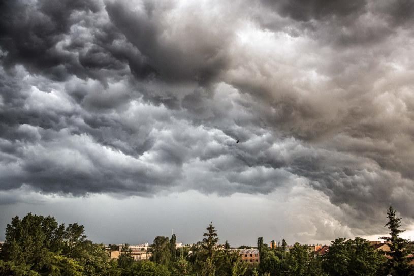 Będzie gorąco, ale mogą wystąpić również gwałtowne burze /Marek Maliszewski  /Reporter