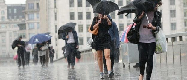 Będzie lało! IMGW ostrzega przed intensywnymi opadami. Czy to koniec lata?