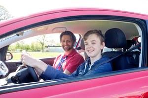 Będzie można jeździć bez prawa jazdy, ale z rodzicem?!