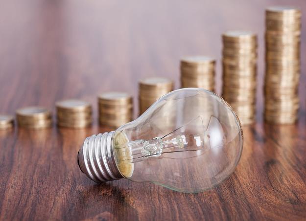 Będzie można tam handlować kontraktami terminowymi na prąd /©123RF/PICSEL