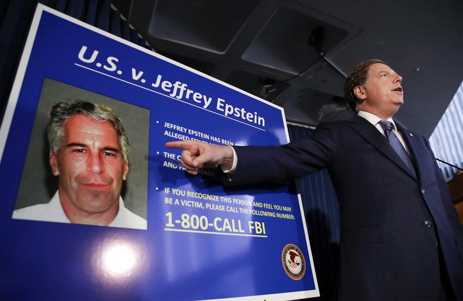 Będzie więcej nazwisk w sprawie Jeffreya Epsteina?  - /JASON SZENES    /PAP/EPA