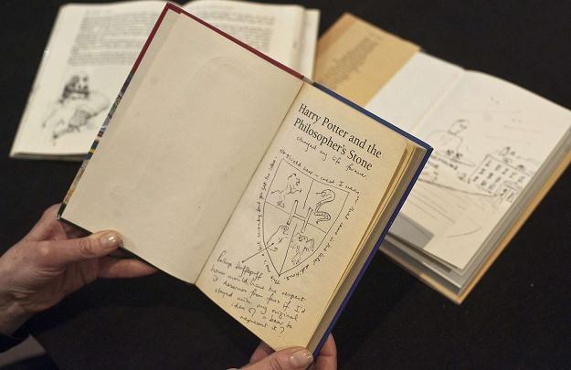 Będziemy zbierać stare książki /AFP