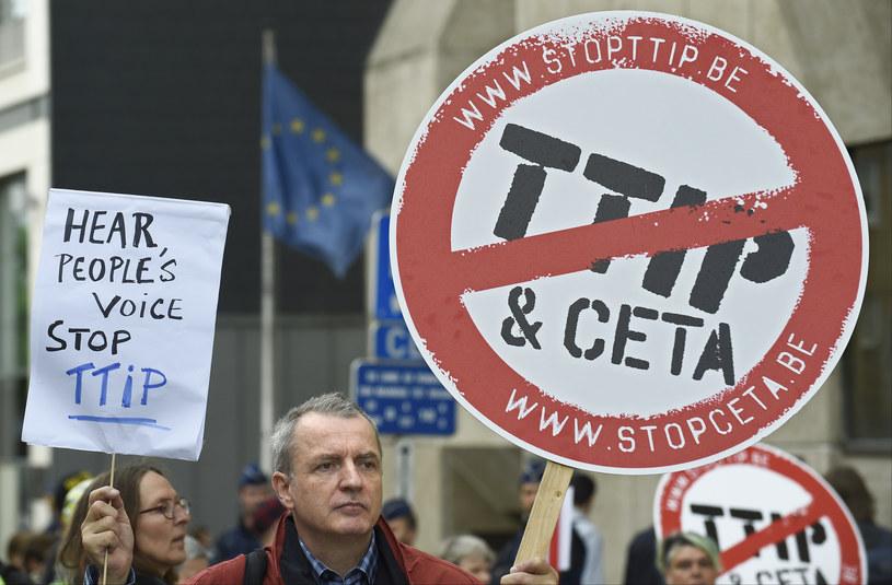 Belgia jest kolejnym, unijnym krajem, który ma zastrzeżenia do umowy handlowej ze Stanami Zjednoczonymi /JOHN THYS /AFP