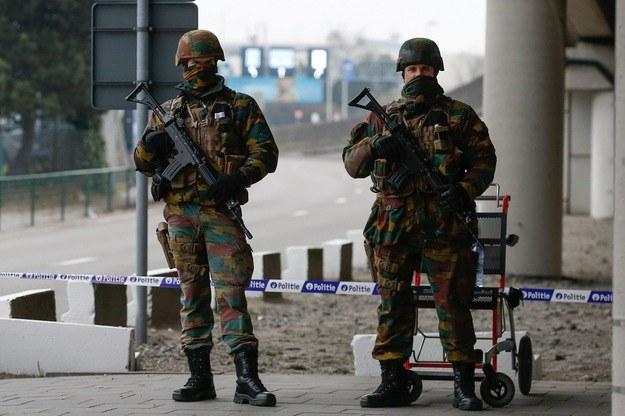 Belgijscy żołnierze na lotnisku Zaventem (zdj. ilustracyjne) /PAP/EPA