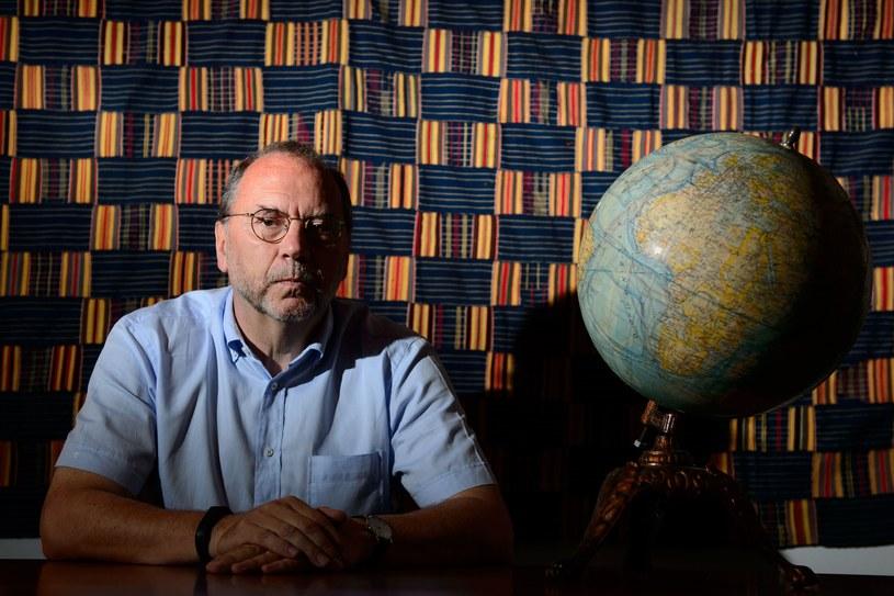 Belgijski profesor Peter Piot jest jednym z odkrywców wirusa Ebola. /AFP