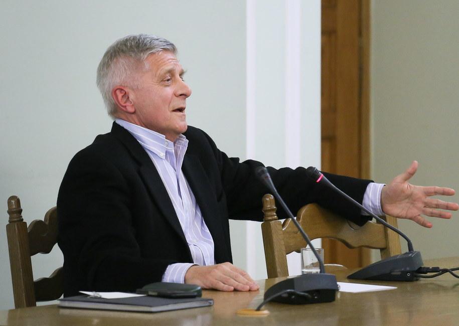 Belka: Człowiek, jak spojrzał na reklamę, która obiecuje gwarantowany dochód 13 proc., to już wiadomo było, że to jest gruby przekręt. /Paweł Supernak /PAP