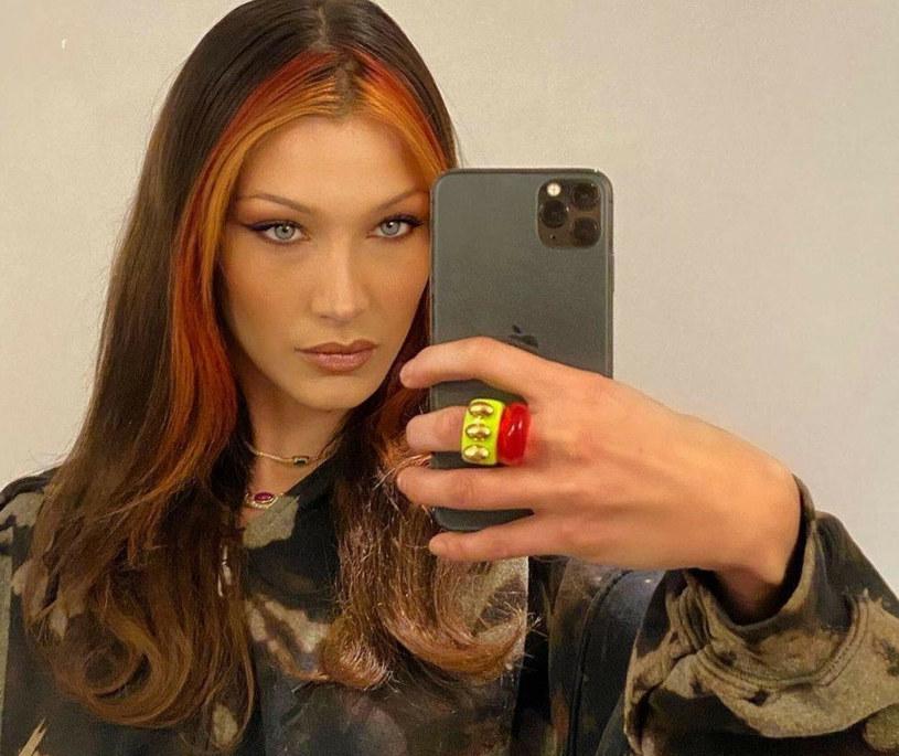 Bella Hadid jest fanką plastikowych pierścionków /face to face/FaceToFace/REPORTER /Reporter