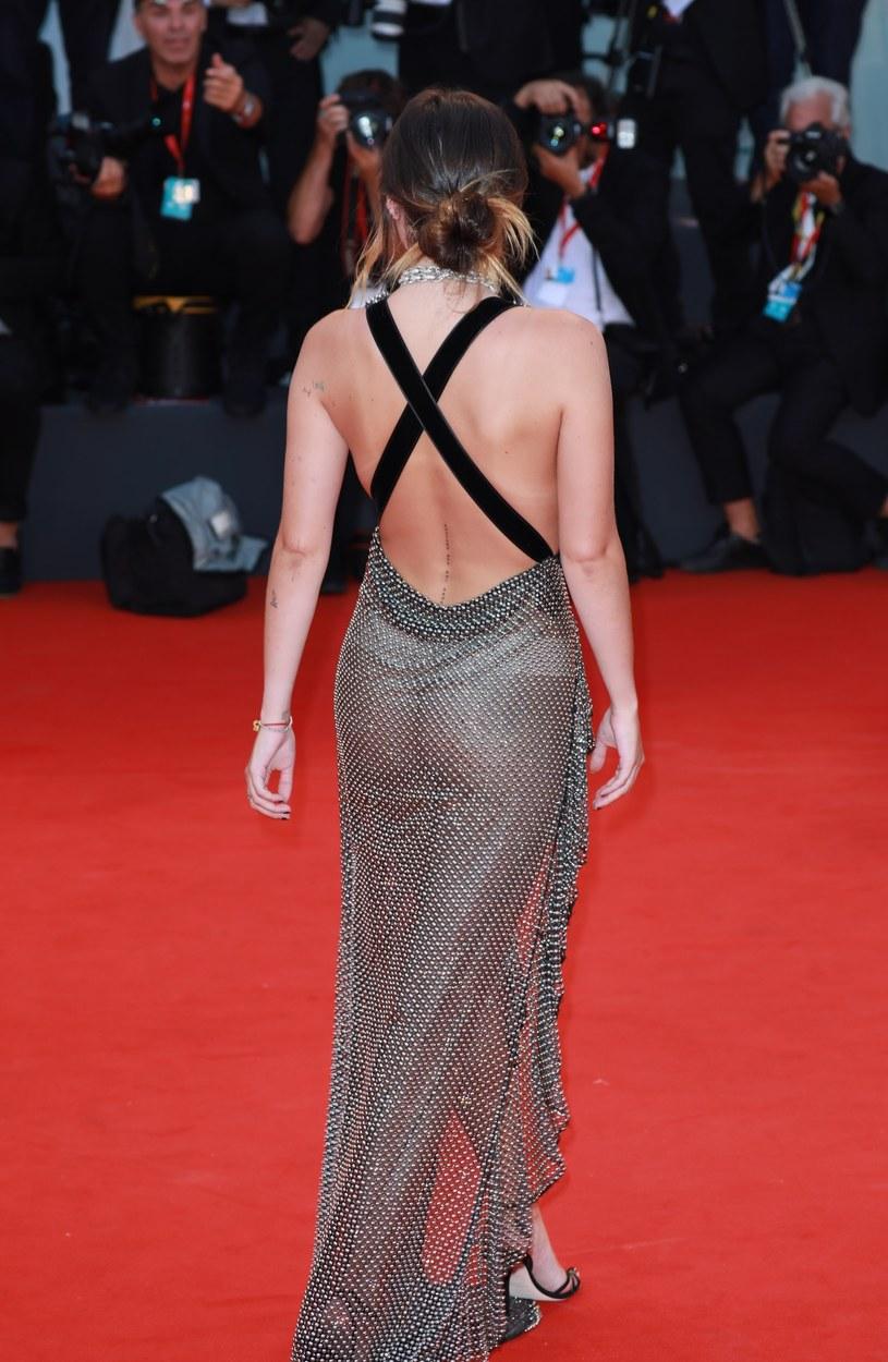 Bella Thorne na czerwonym dywanie /East News