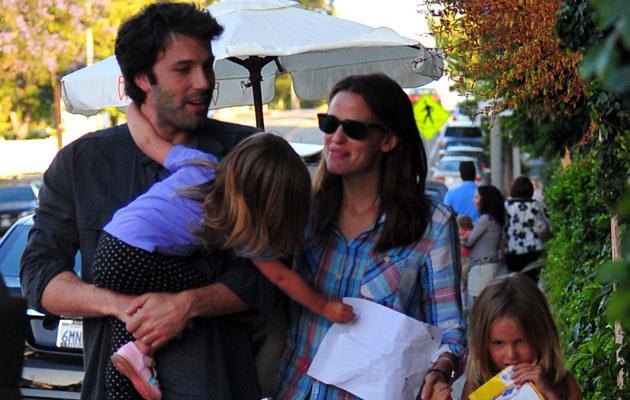 Ben Affleck i Jennifer Garner z córkami  /Splashnews