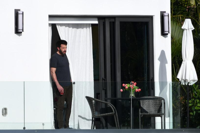 Ben Affleck w domu J. Lo /MEGA /Agencja FORUM