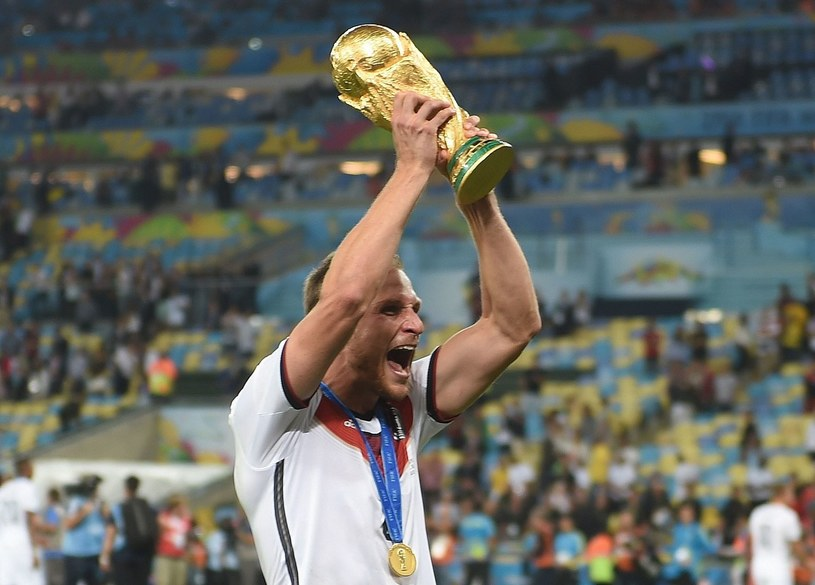 Benedikt Hoewedes z Pucharem Świata /AFP