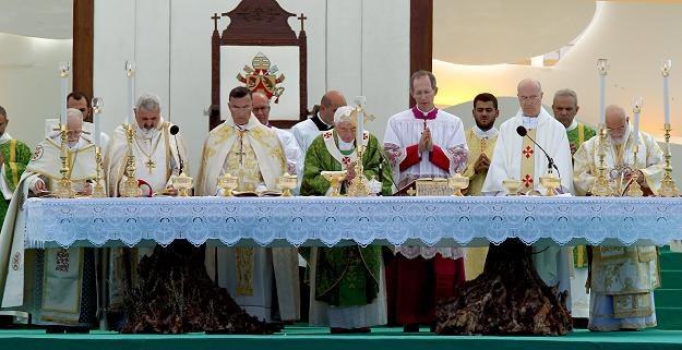 Benedykt XVI apeluje o pokój w Syrii i na całym Bliskim Wschodzie /PAP