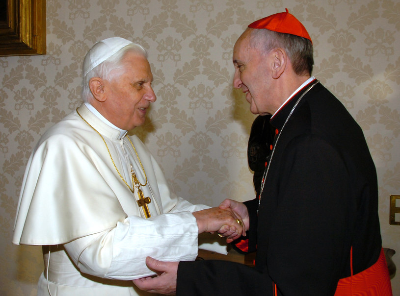 Benedykt XVI i kardynał Bergoglio, 2007 rok /AFP
