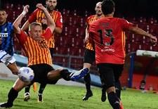 Benevento Calcio - AS Roma 0-0. Czerwona kartka Kamila Glika