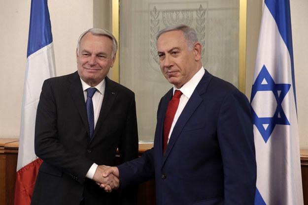 Benjamin Netanjahu i Jean-Marc Ayrault podczas spotkania w Jerozolimie /AFP