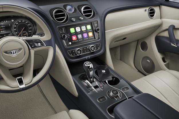 Bentley Bentayga Hybrid /Bentley