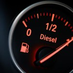 Benzyna tanieje, diesel drożeje