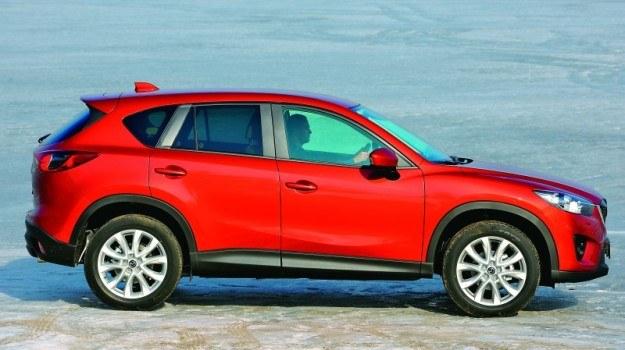 Benzynowy silnik, automat i napęd 4x4. Mazda CX-5 teoretycznie powinna być paliwożerna, a nie jest. /Mazda