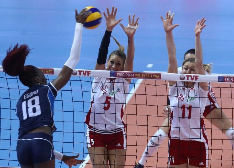 Berenika Tomsia (z lewej) nie zagra w Bielsku-Białej. Jej miejsce zajmie Małgorzata Jasek /AFP