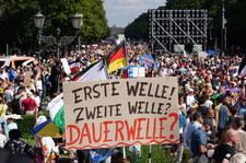 Berlin: Demonstracja przeciw ograniczeniom ws. Covid-19