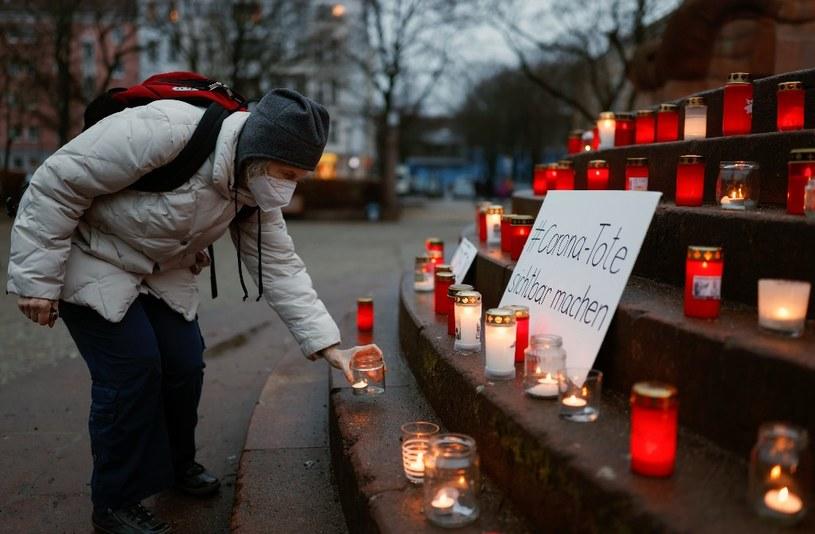 Berlin, symboliczne miejsce upamiętniające osoby, które zmarły podczas pandemii /AFP
