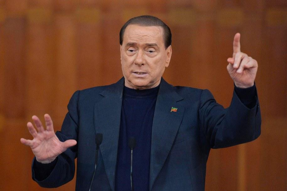 """Berlusconi """"do roboty""""! Musi odprawcować więzienie /ETTORE FERRARI /PAP/EPA"""