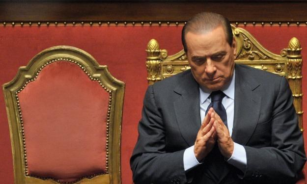 """""""Berlusconi zrobi wszystko, by się uratować"""" /AFP"""