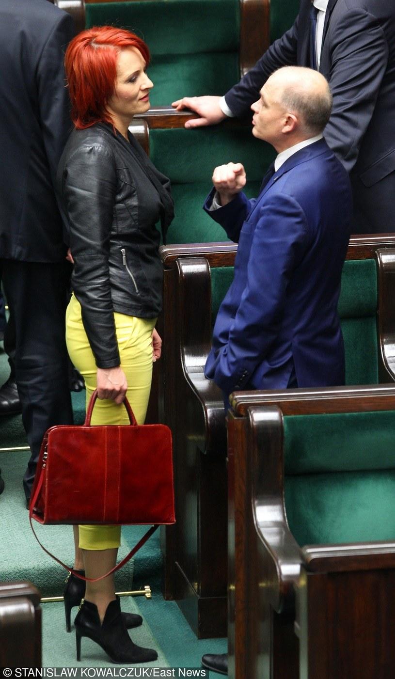 Bernadeta Krynicka w żółtych spodniach /Stanisław Kowalczuk /East News