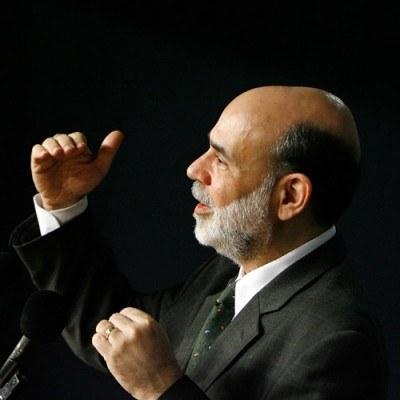 Bernanke, który uchodził za znawcę historii Wielkiego Kryzysu, pozostanie prezesem FED /AFP