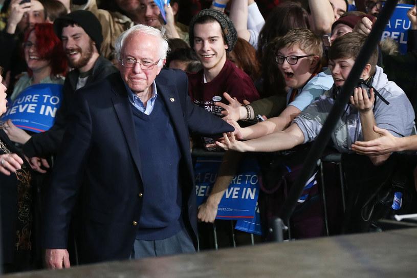 Bernie Sanders cieszy się poparciem zwłaszcza młodych ludzi /AFP