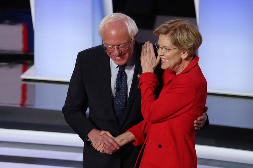 Bernie Sanders i Elizabeth Warren podczas wtorkowej debaty /AFP