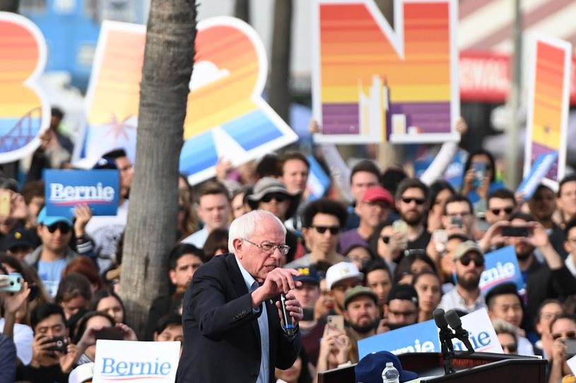 Bernie Sanders na wiecu w Kalifornii /AFP