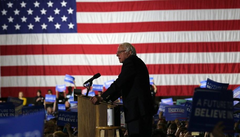 Bernie Sanders oświadczył, że nie zamierza rezygnować z walki o nominację Demokratów /MIKE NELSON /PAP/EPA