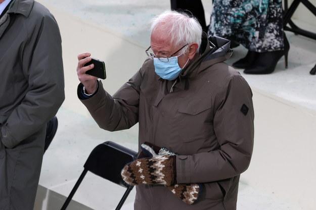 Bernie Sanders podczas inauguracji Bidena w Waszyngtonie /TASOS KATOPODIS / POOL /PAP