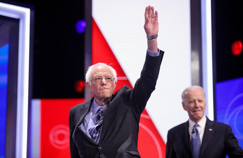 Bernie Sanders prowadzi przed Joe Bidenem (z prawej). Czy Superwtorek zmieni dynamikę tych prawyborów? /AFP