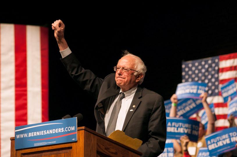 Bernie Sanders świętuje zwycięstwo w Wisconsin /AFP