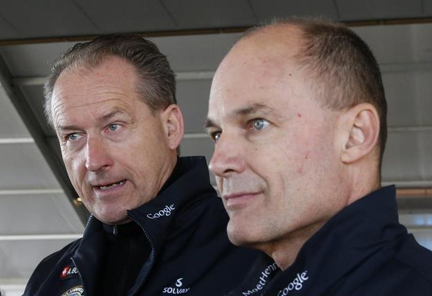 Bertrand Piccard (P) i Andre Borschberg (L) /EPA