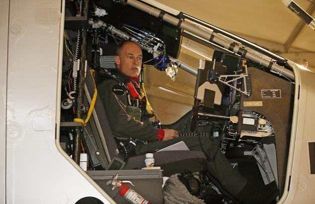 Bertrand Piccard za sterami Solar Impulse 2 /EPA