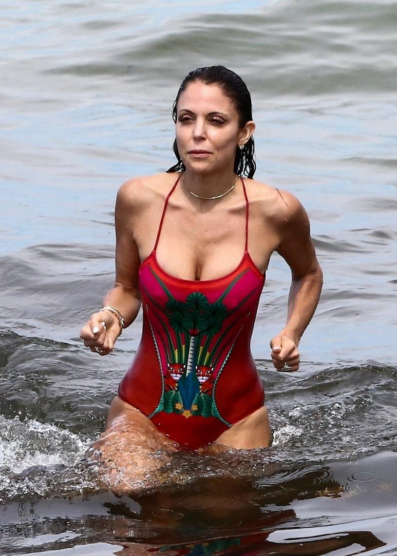 Bethenny Frankel zachwycała na plaży w Miami Beach /BACKGRID /East News