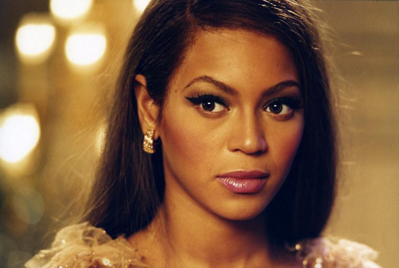 Beyoncé dziś dla wielu jest symbolem kobiecości /Etienne George/Collection Christophel /East News