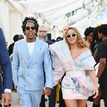 Beyonce i Jay-Z odebrali nagrodę Brit. W tle wisiał obraz Meghan Markle