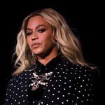 """Beyonce na łamach """"Vogue'a"""" opowiedziała o dramatycznym porodzie. Omal nie umarła!"""