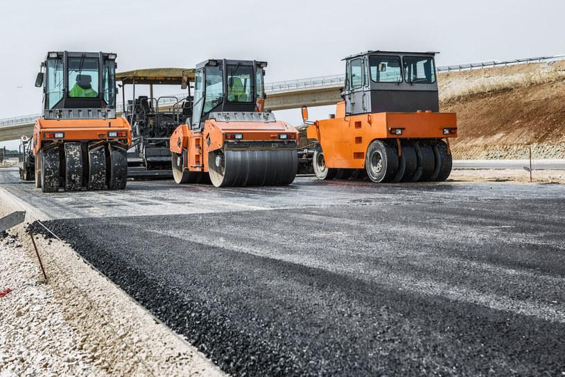 Bez funduszy unijnych wiele inwestycji infrastrukturalnych nie udałoby się zrealizować /123RF/PICSEL