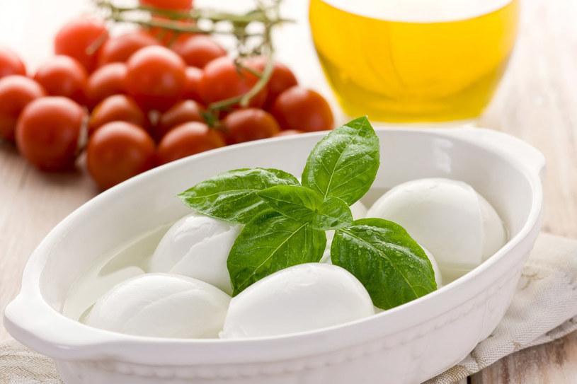 Bez mozarelli nie ma kuchni włoskiej /123RF/PICSEL