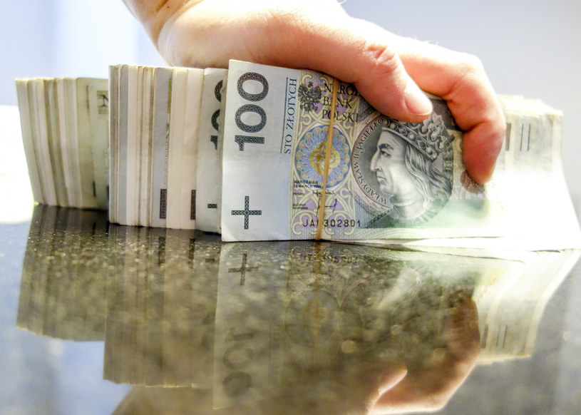 Bez nowelizacji budżetu byłyby ogromne cięcia wydatków /Piotr Kamionka /Reporter