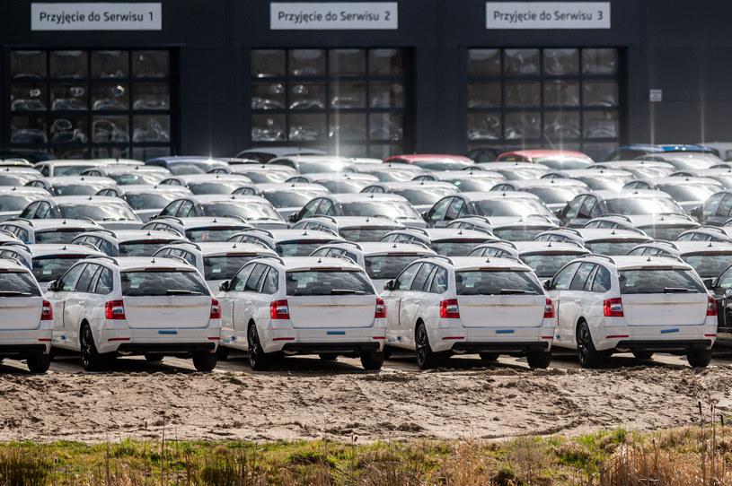 Bezawaryjność i gwarancja to główny atut nowych samochodów /Getty Images