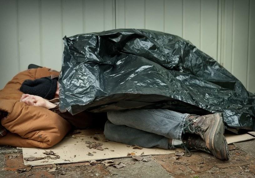 """""""Bezdomność zaczyna się zwykle od dramatu"""" (zdjęcie ilustracyjne) /123RF/PICSEL"""