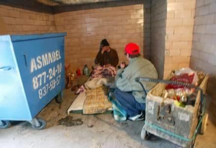 Bezdomnych najczęściej nie stać na utrzymanie własnego mieszkania / fot. Adam Jagielak /Agencja SE/East News