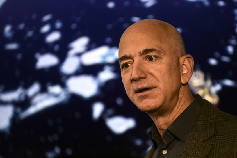 Bezos skupi się na nowych zajęciach /AFP