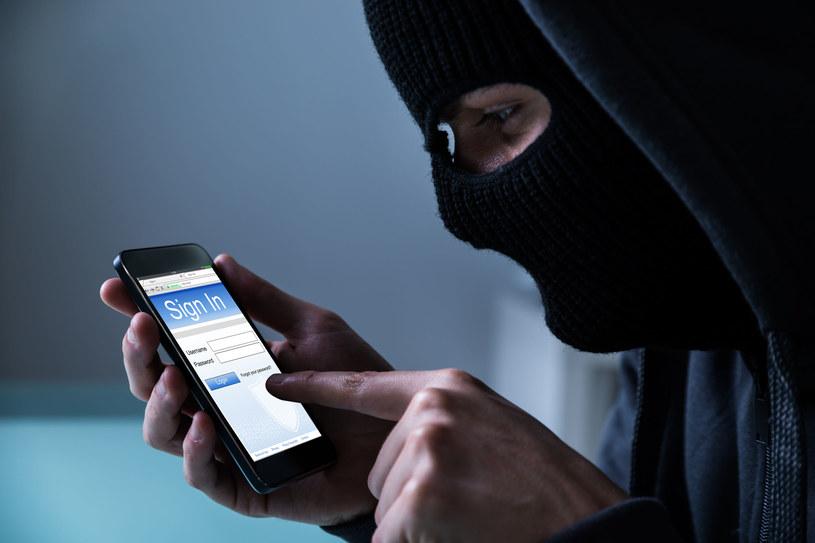 Bezpieczeństwo większości smartfonów stoi na bardzo niskim poziomie /123RF/PICSEL